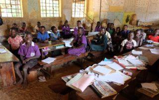 Schulklasse in Uganda