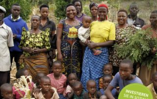 Gruppenbild Sozialunternehmen NAWAD in Uganda